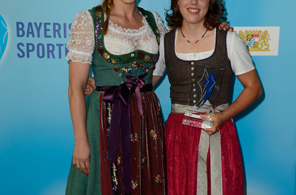 Laura Dahlmeier mit Anni Friesinger