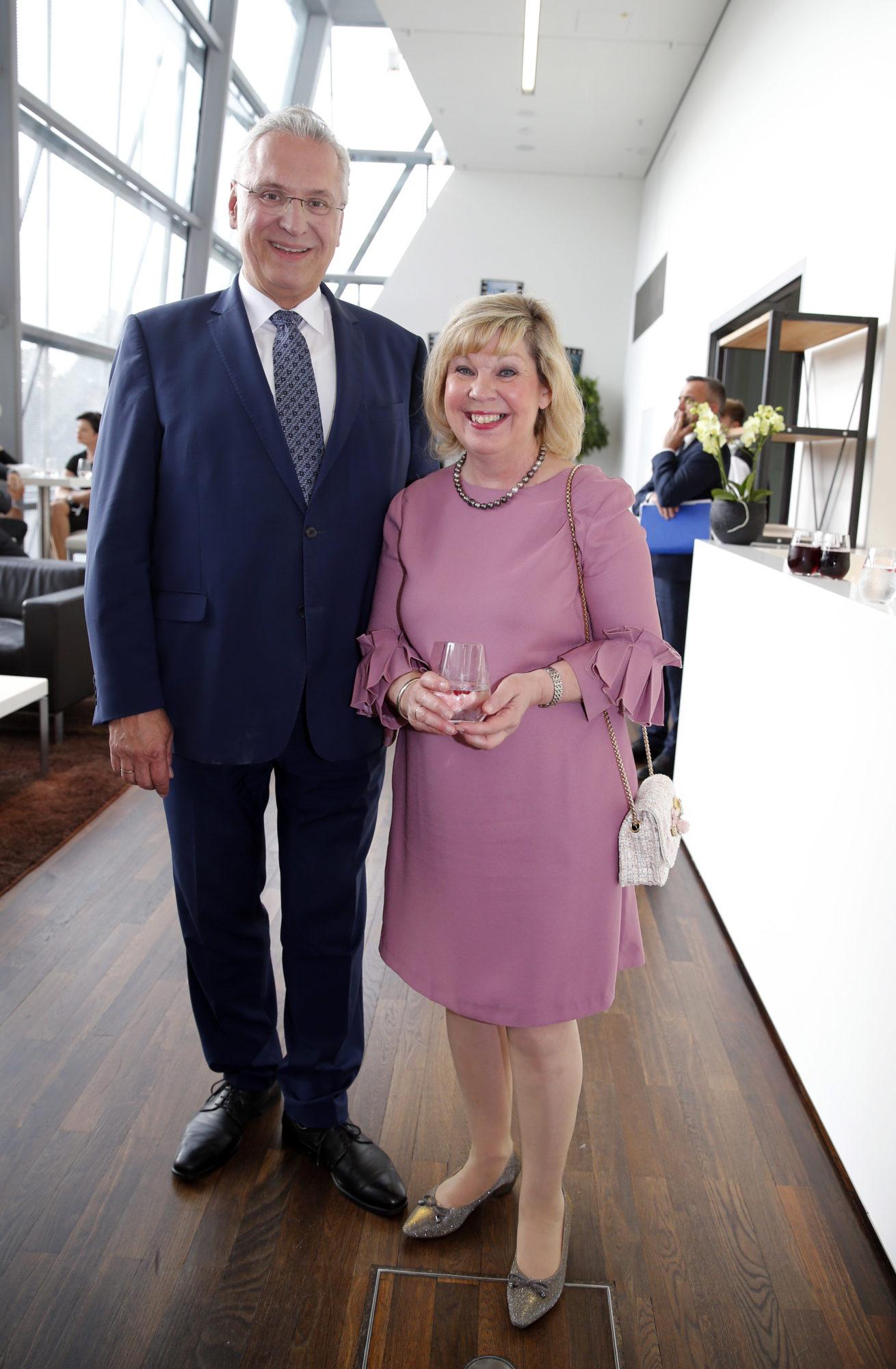 StM Herrmann mit Ehefrau
