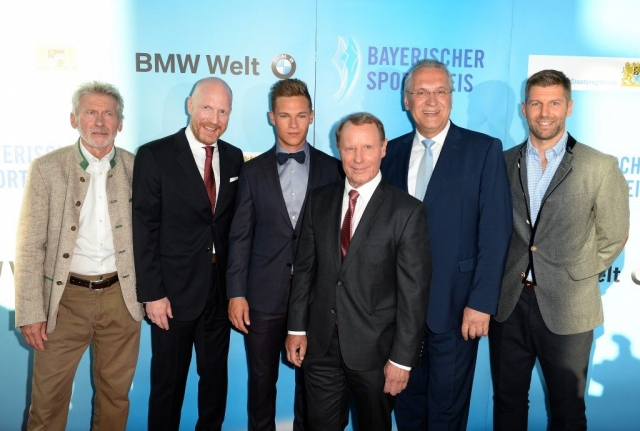 Fußball-Gipfeltreffen mit StM Herrmann
