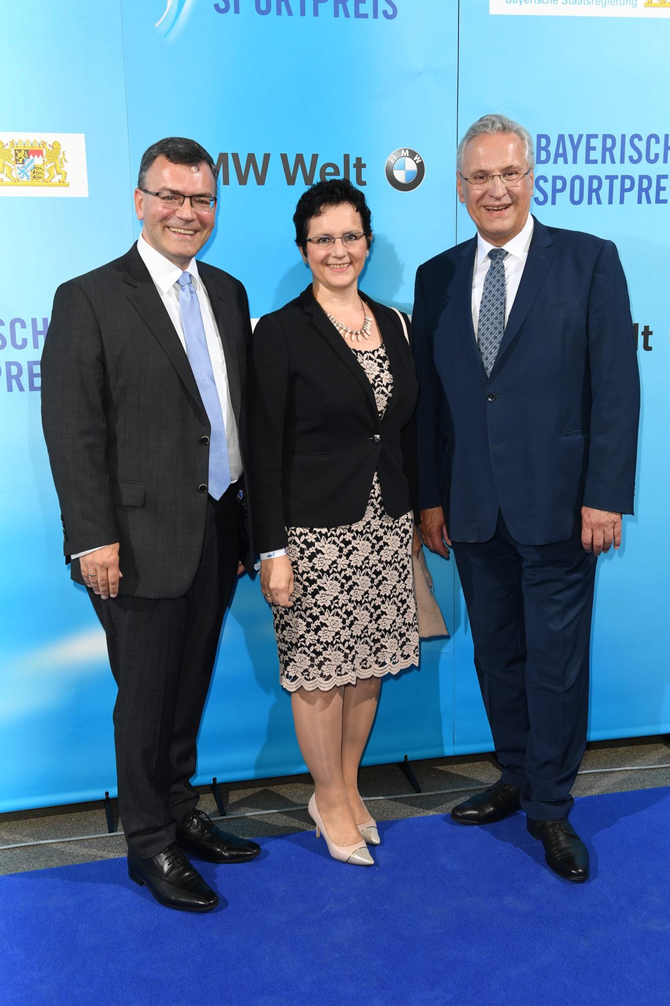 StM Dr. Herrmann mit Frau und StM Herrmann